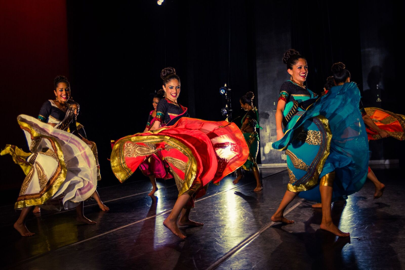 Sa Dance in Performance